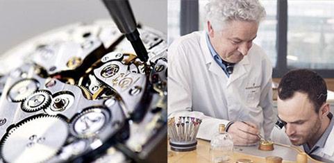 手表维修中心技师在进行为顾客进行手表维修服务(图)